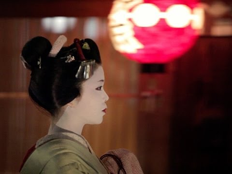 Filming Japan: A Journey Between Tradition And Modernity