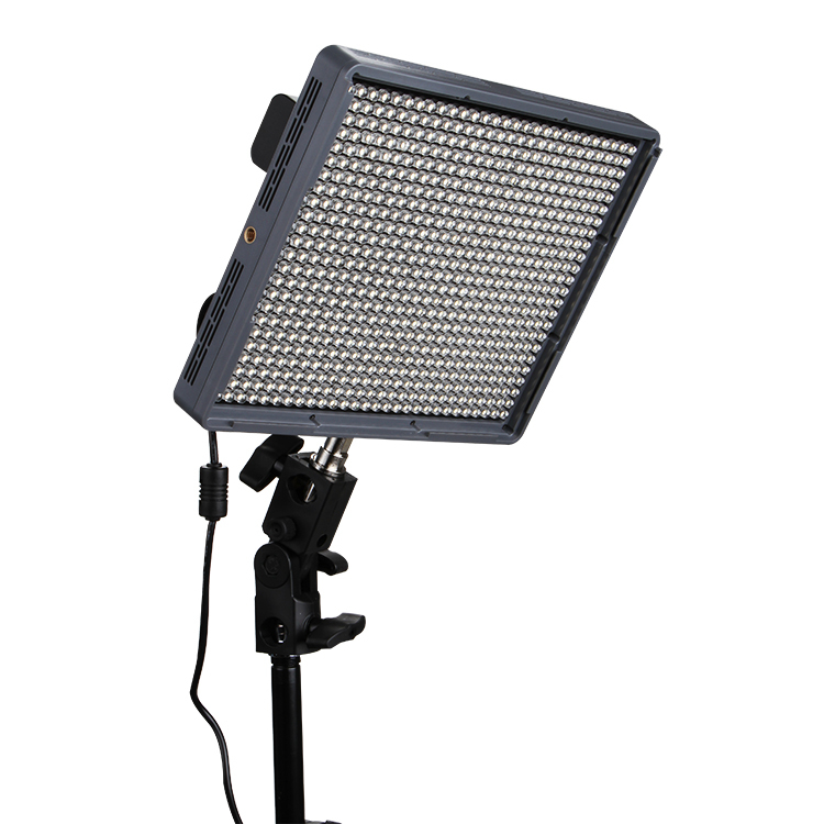 Aputure-Amaran-HR672W-High-CRI95-672-Led-Video-Light-Panel-w-2-4G-Wireless-Remote-2x6600mAh